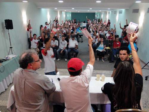 A Chapa 1  Unidade e Democracia foi eleita com 77 votos contra 35 da Chapa 2