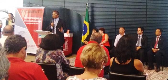 Sindicato participa em Brasília do lançamento do dossiê da CUT sobre Terceirização