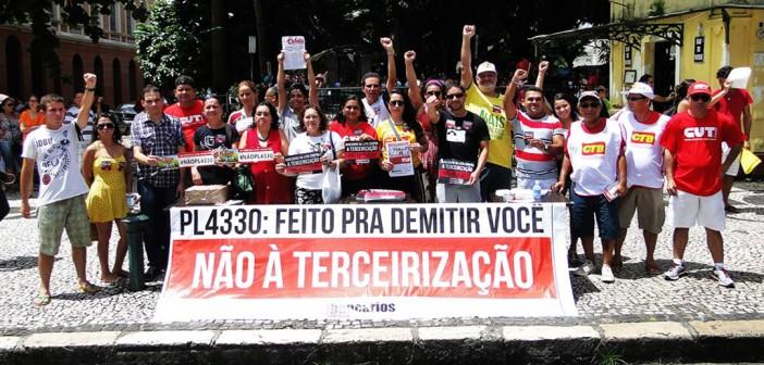 29 de maio: ocupar as ruas para mudar a política econômica e defender a democracia