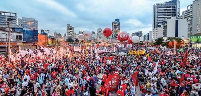 Trabalhadores de todo o Brasil param contra perda de direitos trabalhistas
