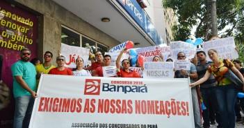 Sindicato e concursados do Banpará tomam as ruas para cobrar mais contratações