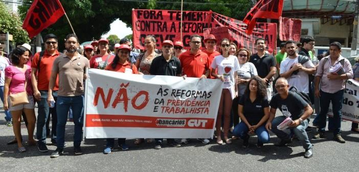 Trabalhadores vão às ruas por direitos e previdência