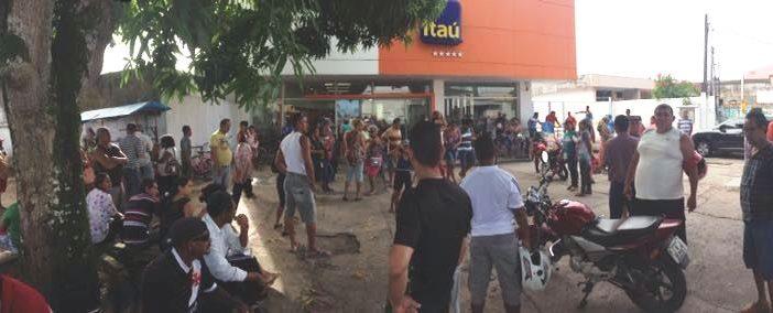 Itaú Icoaraci: Caixa d'água rompe e coloca segurança da unidade em risco