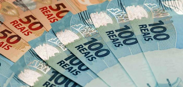 Governo tira R$ 14 bilhões da economia ao frear valorização do salário mínimo