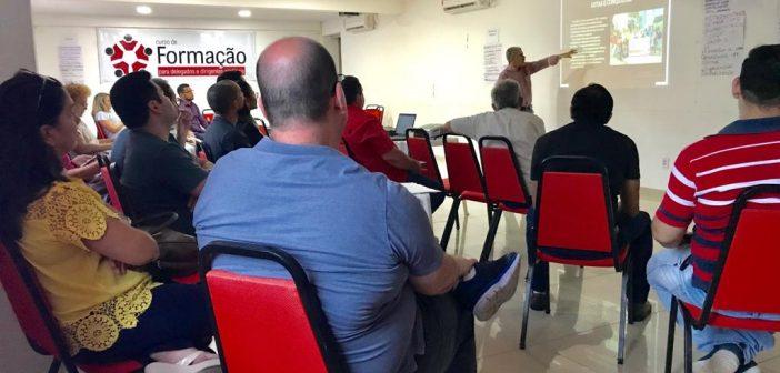 Novos delegados e delegadas sindicais participam de ciclo de formação