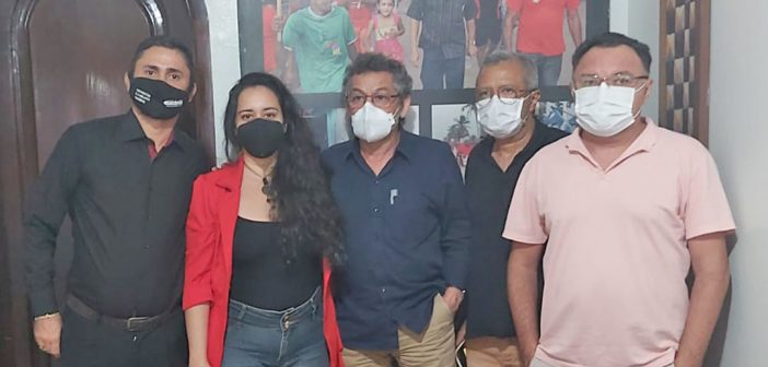 Sindicato reúne com senador Paulo Rocha em defesa do Quadro de Apoio